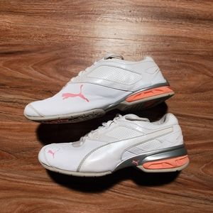 Puma white sneaker with pink logo size 6.5